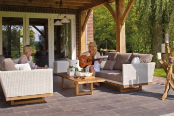 4 Ways to Create the Ultimate Outdoor Living Space at Home