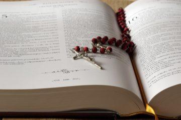 How to Dress for a Catholic Wake